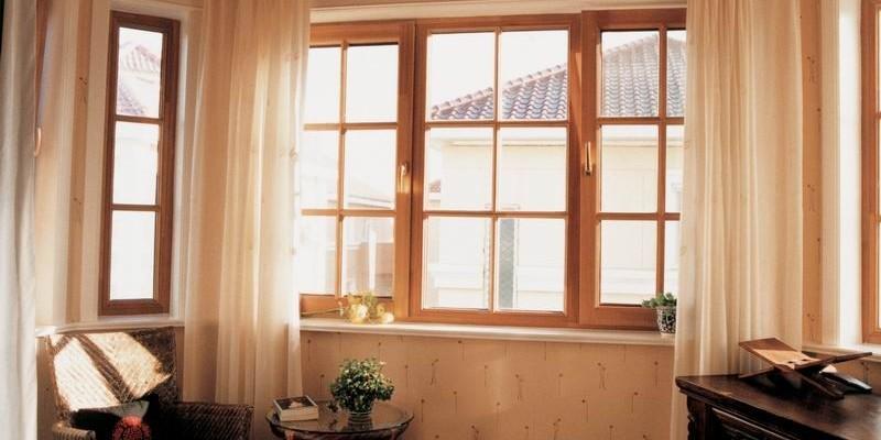 Дерево-алюминиевые окна для комнаты позволили увеличить температуру помещения зимой на +4 градуса.