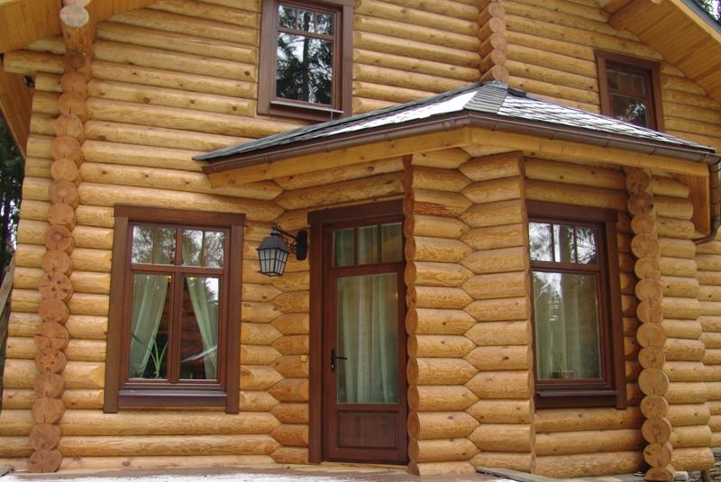 plastikovye-okna-v-derevyannom-dome-1